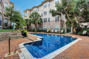 apartment_home_pool